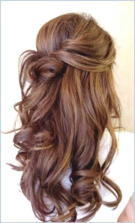Frisuren Mit Locken Halb Hochgesteckt Frisuren Frisurlockenhalbhochgesteckt Frisuren In 2020 Long Hair Styles Medium Length Hair Styles Medium Hair Styles