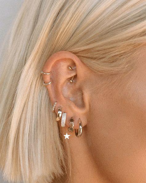 Bijoux Piercing Septum, Innenohr Piercing, Spiderbite Piercings, Pretty Ear Piercings, Orbital Piercing, Piercing Chart, Ear Peircings, Multiple Ear Piercings, Ear Piercings Chart