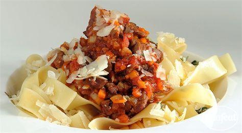 فتافيت فاتوشيني مع اللحمة Pasta With Meat Sauce Meat Pasta Pasta