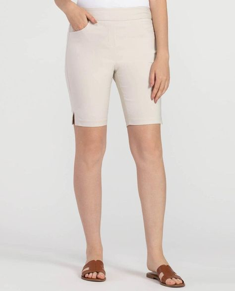Shorts for women over 40 #theclothingcove #springfashion2020trends #springfashion2020 #fashionover50 #fashionover40 #vacationfashion #pullonshorts #womensshorts #shortsforwomenover50fashion #shortsforwomenover40 #travelwearforwomen #women'sfashionover40summer2017
