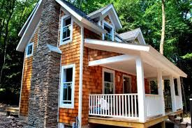 House With Shingles Siding Google Search House Siding Options Cedar Shingle Roof Cedar Shake Siding