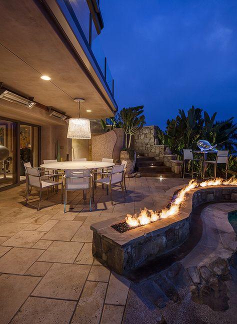 outdoor firepit | backyard ideas | landscape | exterior design inspiration | fire feature ledge