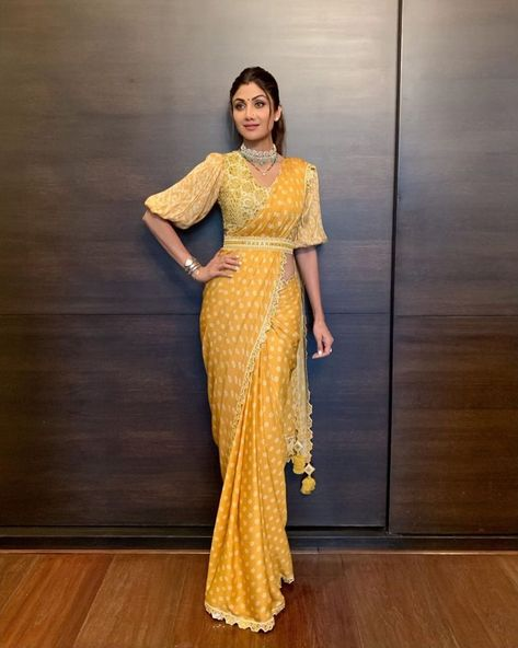 Indian Bollywood Saree Polka Dot Designer Sari For Occasions Wear Silk Saree / Party Wear Saree / Saree With Blouse / Blouse With Saree Sari Blouse, Saree Blouse Patterns, Saree Blouse Designs, Skirt Patterns, Coat Patterns, Sewing Patterns, New Saree Designs, Fancy Blouse Designs, Sari Design
