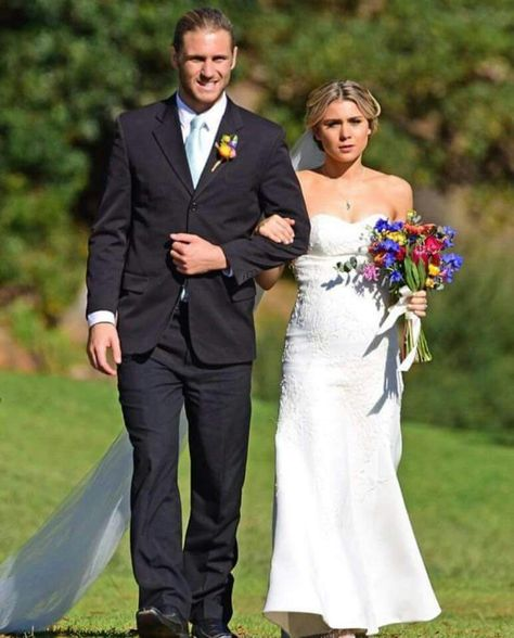 Home And Away Billie In Her Wedding Dress To Almost Wed Vj Tv