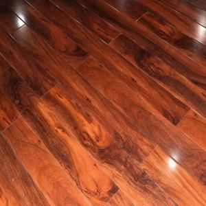 Golden Nugget 12mm Thick X 5 In Wide X 48 In Length High Gloss Click Locking Laminate Flooring 16 48 Sq Ft Laminate Flooring Wood Laminate Brown Laminate
