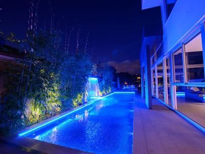 Resultat D Imatges De Swimming Pool Led Lighting Swimming Pool Lights Pool Light Swimming Pools
