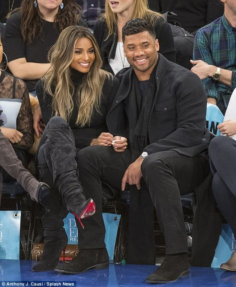 Loved-up: Ciara ensured she wasn't being held down by her woes as she and her NFL boyfriend Russell Wilson put on a united and loved up front at the basketball in New York on Tuesday night Frontal Hairstyles, Dread Hairstyles, Ciara Hairstyles, Ciara Blonde Hair, Ciara Hair Color, Black To Blonde Hair, Peinado Updo, Ciara And Russell Wilson, Body Wave Wig