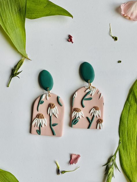 Diy Clay Earrings, Polymer Clay Necklace, Polymer Clay Charms, Handmade Polymer Clay, Polymer Clay Tutorials, Diy Jewelry Tutorials, Polymer Clay Projects, Polymer Clay Ornaments, Polymer Clay Flowers