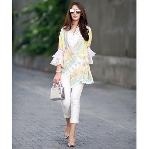 cool-street-style 30 Trending Party Outfits for Pakistani Girls