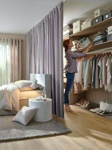 Begehbarer Kleiderschrank Vorhang Gute Idee Als Abtrennung Begehbarer Kleiderschrank Vorhang Begehbarer Kleiderschrank Ideen Fur Kleine Schlafzimmer