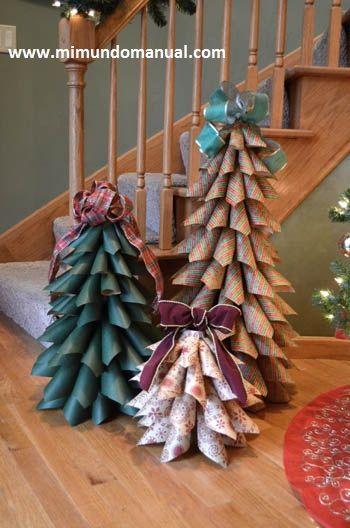Mimundomanual: Manualidades Navideñas en Papel Looks like Christmas wrapping paper trees. Cute.