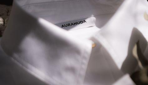 Existem muitas formas de usar camisa branca! Espiar o look das famosas é uma boa forma para se inspirar!