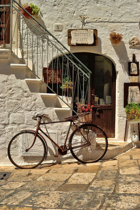 Ostuni, Puglia - one of Italy's beautiful white towns. European Summer, Italian Summer, Summer Aesthetic, Travel Aesthetic, Aesthetic Fashion, Aesthetic Clothes, Labo Photo, Places To Travel, Places To Visit