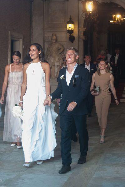 Die Schonsten Brautkleider Der Stars Hochzeitskleid Braut Beruhmte Hochzeitskleider