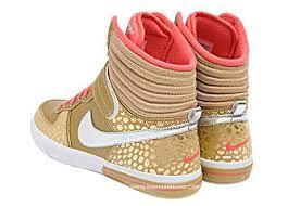 zapatillas nike doradas