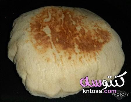 العيش البيتى الهش جدا من غير فرن طريقة عمل العيش الشامى فى الطاسة Food Cheese Dairy