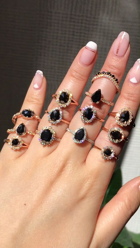 We LOVE the alternative look of a black gemstone engagement ring, like our Black Spinel Rings and Black Diamond Rings in either Rose Cut or Brilliant Cut 🖤 See all Engagement Rings by La More Design and shop for your favorite and dream engagement ring!