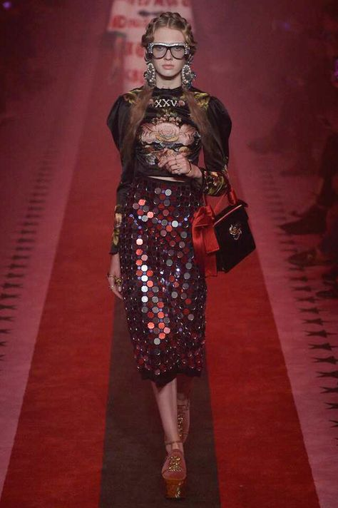 Gucci Spring 2017 Ready-to-Wear Fashion Show - Gucci Spring - Ideas of Gucci Spring. - Gucci Spring 2017 Ready-to-Wear Fashion Show