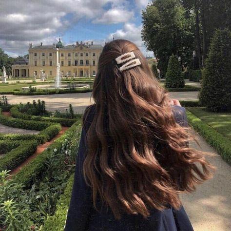 Lange Locken - New Site, Lange Locken - Trendfrisuren Bob, akkurater Mittelscheitel oder This particular language Cut Pass away Frisurentrends 2020 sind vielseitig: Lässig, . Hair Day, My Hair, Girl Hair, Coiffure Hair, Aesthetic Hair, Beige Aesthetic, Long Curls, Dream Hair, Pretty Hairstyles