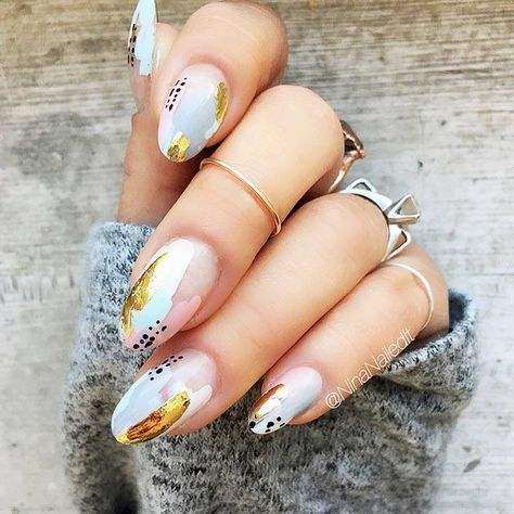 nails - 33 Stunning Gold Foil Nail Designs to Make Your Manicure Shine Page 4 of 8