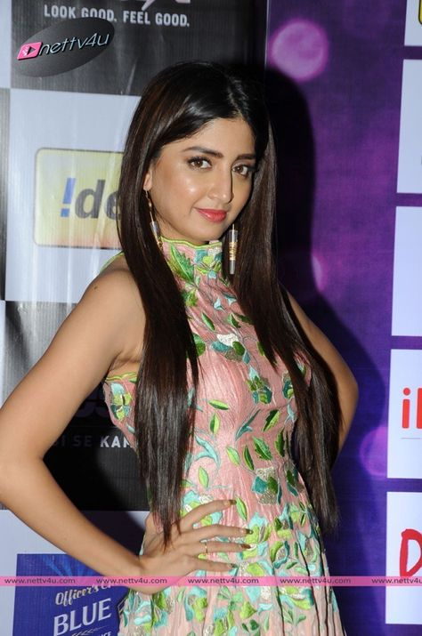 Actress Poonam Kaur Latest Pictures Celebrities Photos And