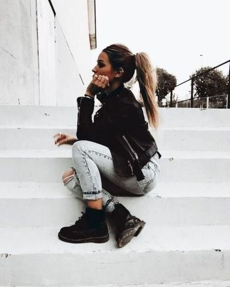 8 Staple Pieces You Need For The Perfect All Black Outfit - UK Black fall outfits
