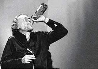 İnsanı sigara ve alkol mahvetmez İnsanı düşük maaş, borç, düşük hayat  standartları, geçim sıkıntısı ve 12 saa… | Charles bukowski, Bukowski,  Charles bukowski quotes