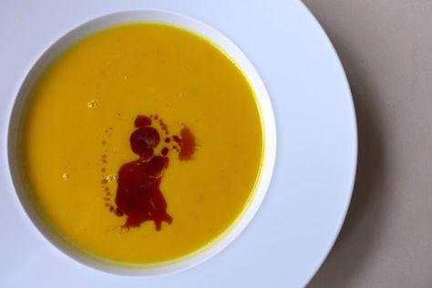 Herbstzeit ist Kürbiszeit - auf den Tisch mit der Kürbissuppe!