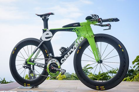 Frederik Van Lierde's (Ironman world champ) custom Cervélo P5