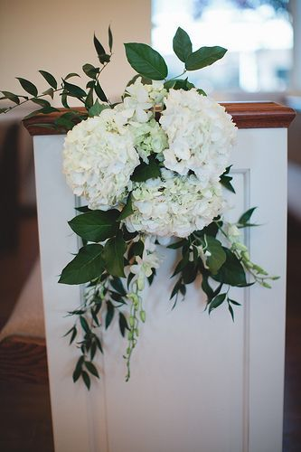 Pew Flowers In 2020 Church Wedding Flowers Wedding Aisle