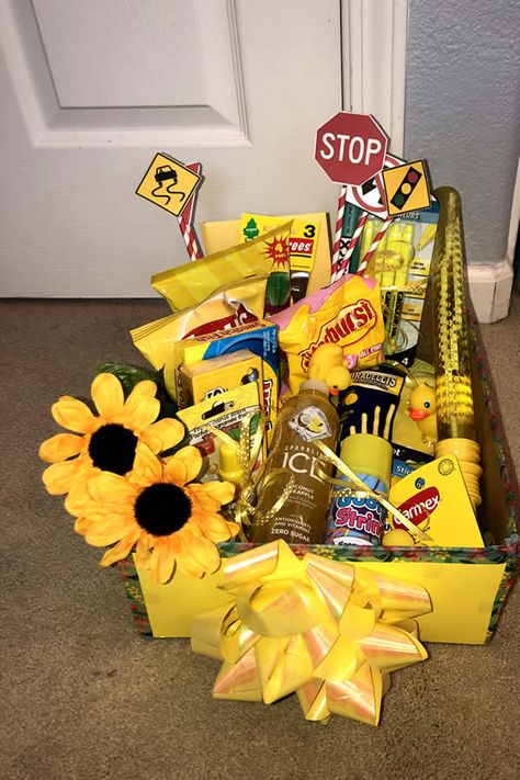 DIY Gift Box - EASY Gift Box Idea - Present For Best Friend - For Her - For Him - Birthday - Creative - How To Make A Sunshine Gift Box Tutorial #gifts #diy