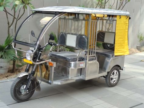 Stainless steel E-rickshaw launched at 10th EV Expo  Jindal Stainless eyes Rs.200 crore revenue in t