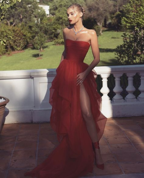 2019 Cannes Film Festival Red Prom Dresses from DRESS 2019 Cannes Film Festival Red Ballkleid. Pretty Prom Dresses, Elegant Dresses, Cute Dresses, Beautiful Dresses, Formal Dresses, Formal Prom, Sexy Dresses, Casual Dresses, Gala Dresses