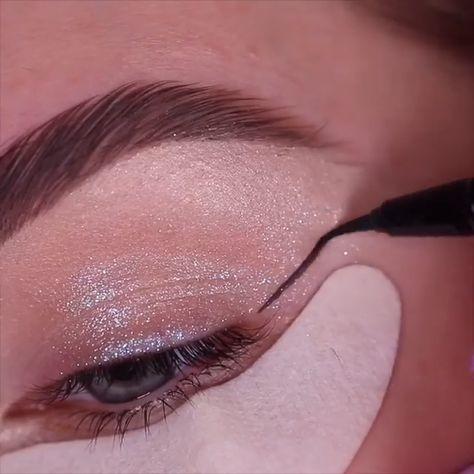 10 Glamorous Makeup Tips and Tricks!