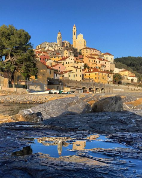 Cervo... reflections, Liguria, #cervo #liguria #italia #italy #ig_liguria #nature #reflection #infinity #panorama #horizon #landscape…