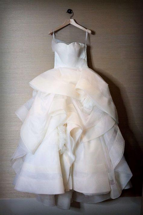 Vera Wang Katherine Wedding Dress Wedding Dresses Buy Used Wedding Dress Wedding Dresses For Sale