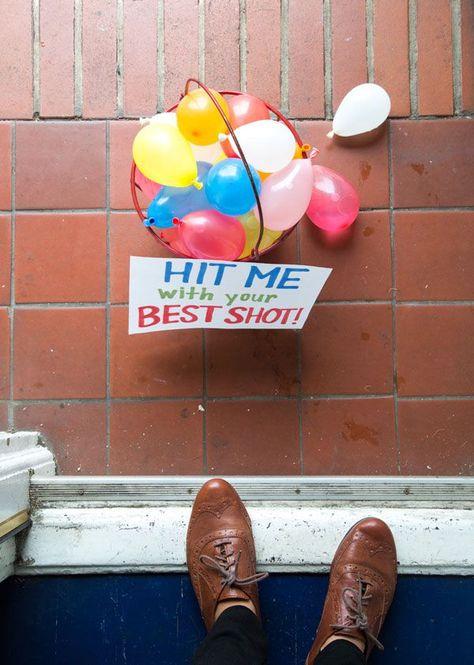 Surprise Water Balloon Fight - Water Balloons - Ideas of Water Balloons Water Balloon Fight, Water Balloons, Water Fight, Cadeau Surprise, Diy Cadeau, Love Fest, Little Presents, Ideias Diy, Boyfriend Gifts