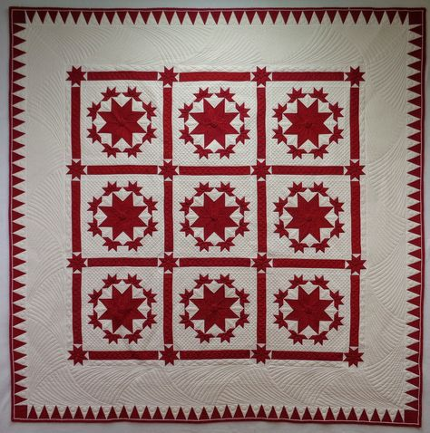 Red and white quilt by Sue Clabo.  2014 Houston International Quilt Festival, Ruby Jubilee. Photo by Sue Garman