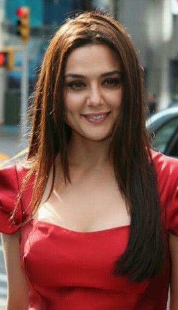 صور ممثلات هنديات شاهد أجمل 36 ممثلة هندية In 2021 Pretty Zinta Most Beautiful Indian Actress Preity Zinta