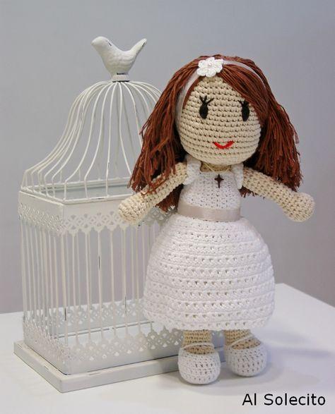 Muñeca de comunión de crochet. Crochet doll.
