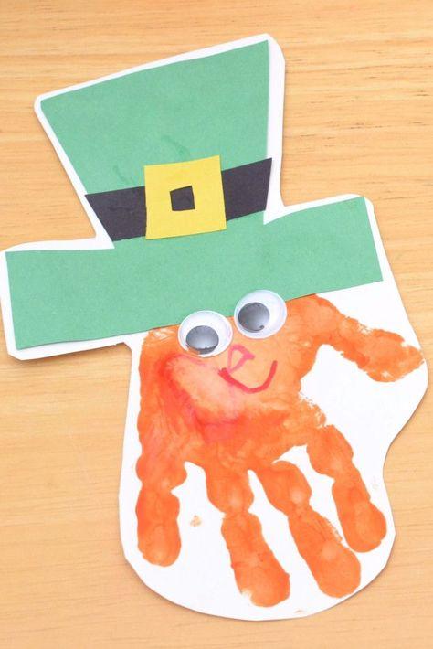 art for kids St Patricks Day Craft Ideas for Kids - Fingerpainting Craft Idea - Handprint paint leprechaun craft idea March Crafts, St Patrick's Day Crafts, Daycare Crafts, Sunday School Crafts, Classroom Crafts, Fun Crafts, Quick Crafts, Amazing Crafts, School Classroom