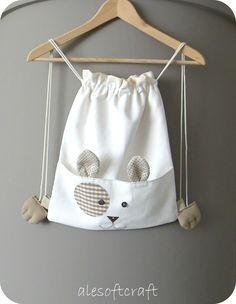 Handmade bags, purses, and accessories.  par PetiteFabric