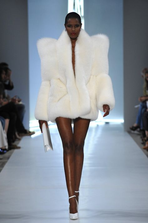 """lolwhitefeelings: """" emotional-whitegirl: """" leauxnoir: """" ALEXANDRE VAUTHIER f/w 2009 haute couture """" I am here for this """" whew!"""