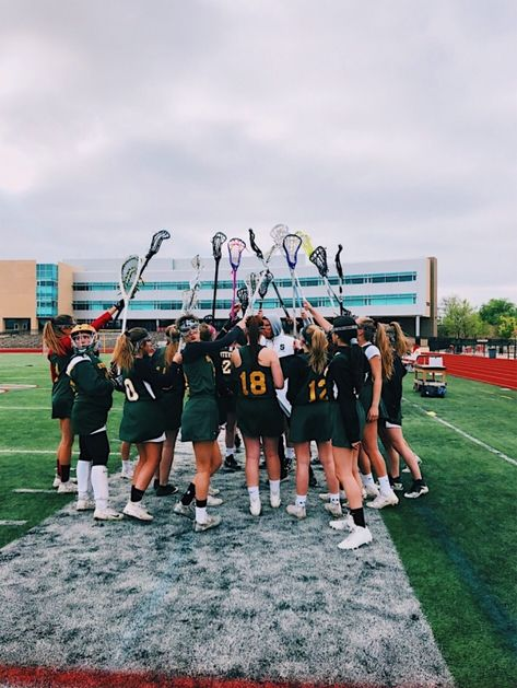 VSCO - @laurenpenepacker | pureluxuriess Hockey Pictures, Sports Pictures, Cute Poses For Pictures, Picture Poses, Bicycle Women, School Sports, Best Friend Pictures, Sporty Girls, Field Hockey