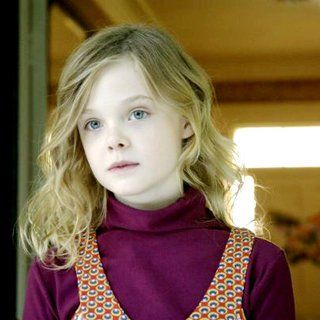 Phoebe In Wonderland Picture 15 With Images Elle Fanning