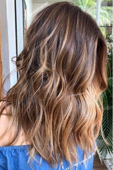 Beachy Highlights That Make Every Hair Color Look Perfectly Sunkissed Surfer Hair Cinnamon Hair Long Hair Styles