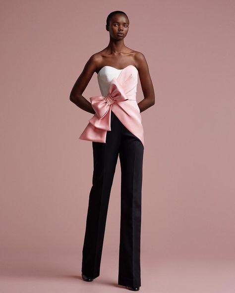 Bonbon Bow Pantsuit 🎀Strapless pantsuit with half-draped trompe l'oeil detailing and Bonbon couture bow <3 VR 📸 by @marijkeaerden   #ViktorandRolfSoir