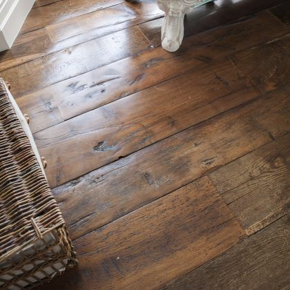 Things You Should Know About Reclaimed Flooring Reclaimed Flooring Reclaimed Oak Flooring Top Wood Canterbury Boards 420 42 Oak Wood Floors Flooring Oak Floors