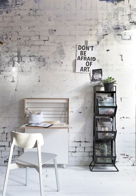 Black and white industrial room with vtwonen Factory white brick wallpaper, a white chair and desk. Accessoires by House Doctor, De Weldaad, Anno Design and Naco Trade.   Styling @Frans   Photographer Jansje Klazinga   vtwonen May 2015   #vtwonencollectie