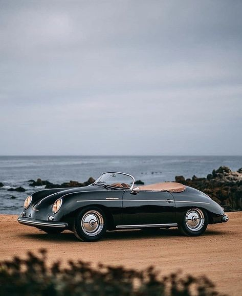 Classic Car News Pics And Videos From Around The World Vintage Porsche, Volkswagen Bus, Vw Camper, Volkswagen Beetles, Retro Cars, Vintage Cars, My Dream Car, Dream Cars, Supercars
